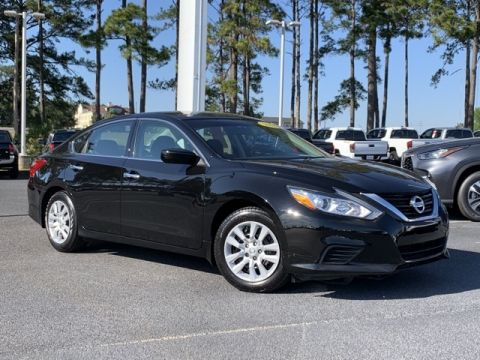 Pre-Owned 2018 Nissan Altima 2.5 S FWD 4D Sedan